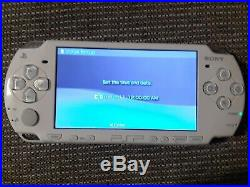 Sony PSP 2000 Star Wars Battlefront Edition with games, carcharger & memory card